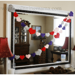 {Pin Test} Easy diy Felt Heart Garland with Freezer Paper!