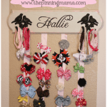 How to make a hanging bow board organizer by www.thepinningmama.com