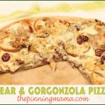 pear gorgonzola pizza www.thepinningmama.com