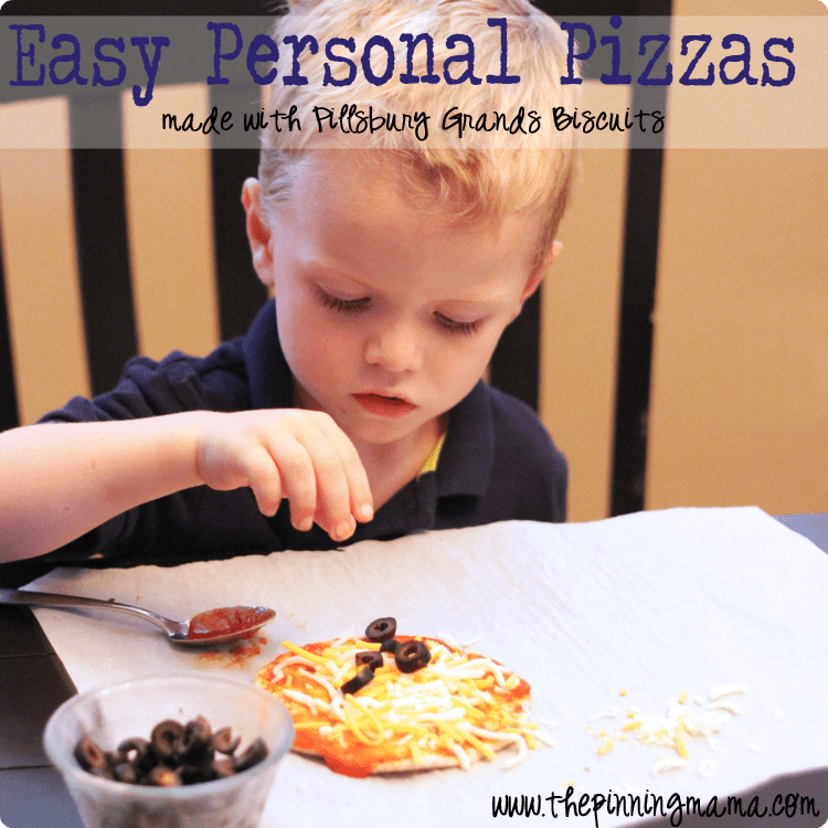 Easy Weeknight Dinner: Pillsbury Personal Pizza by www.thepinningmama.com