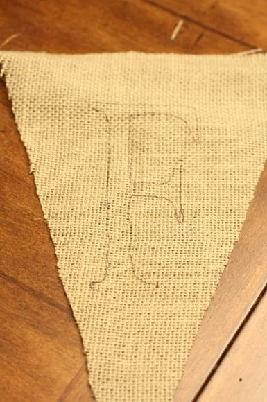 diy Burlap Bunting Banner via The Pinning Mama