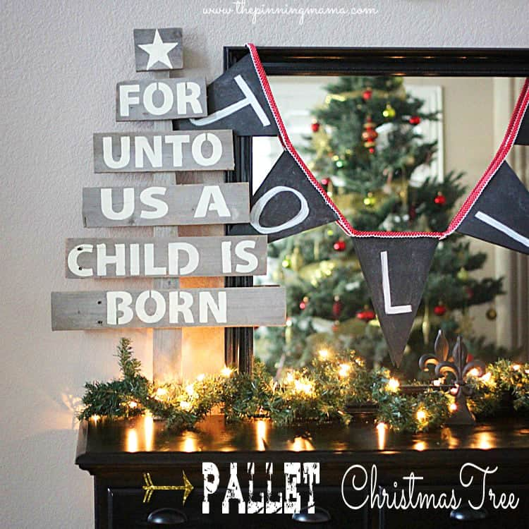 Easy Upcycled Pallet Christmas Tree ---> Click here for tutorial