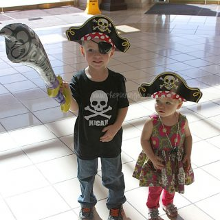 Pirate Birthday Party at The Aquarium {Plus FREE Printable Pirate Invitation}