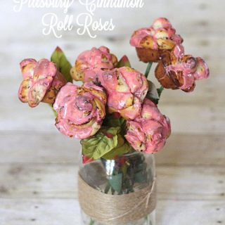 10 Minute Cinnamon Roll Roses made with @Pillsbury!