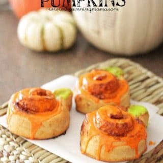 {Easy Fall Breakfast} Cinnamon Roll Pumpkins