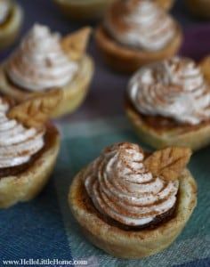 Mini Pumpkin Pies with Cinnamon Cheesecake Topping | Hello Little Home for The Pinning Mama #dessert #PumpkinPie #Thanksgiving
