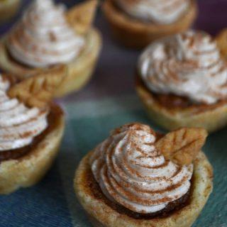 Mini Pumpkin Pies with Cinnamon Cheesecake Topping