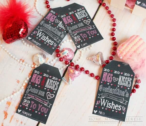 This Valentine's Day Printable is a simple way to make Valentine's Day favors for your loved ones or classroom Valentines for your kids.