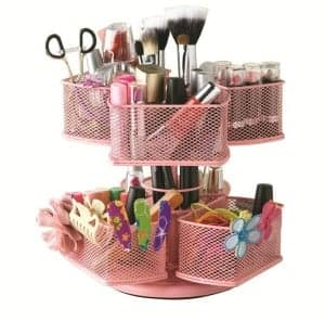 Great way to organize makeup in the bathroom!  Lots of bathroom organization ideas on thepinningmama.com