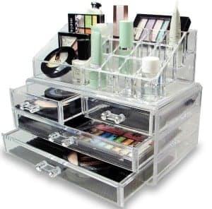 Great way to organize makeup in the bathroom! Lots of bathroom organization ideas on thepinningmama.com