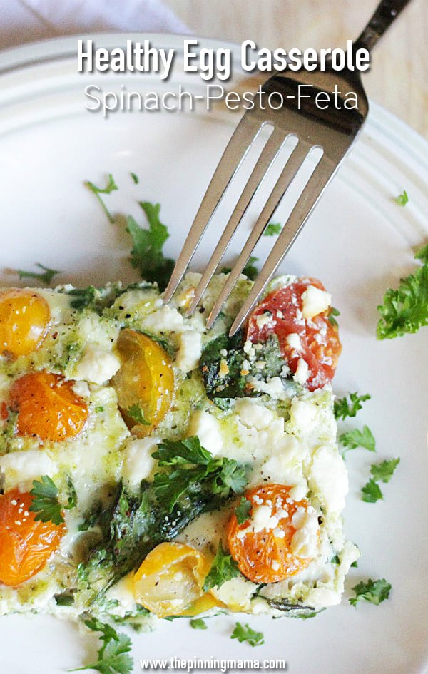 Love this healthy breakfast recipe! Spinach Pesto Feta Egg Casserole recipe via thepinningmama.com