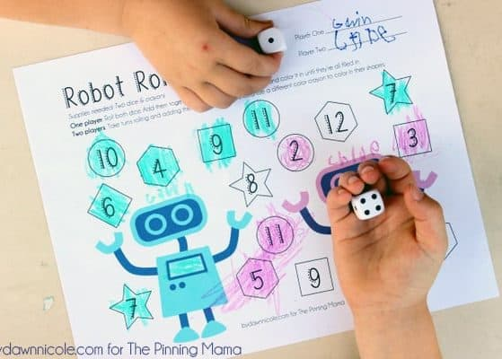 Free Educational Printable: Robot Roll 'n Color Dice Game | thepinningmama.com