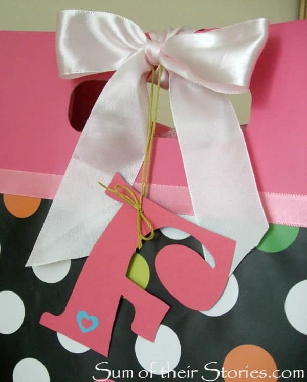 F initial gift tag