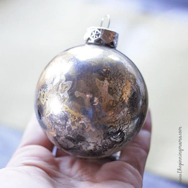 You can get this gorgeous mercury glass effect yourself in just about 5 minutes! Such an easy craft idea!