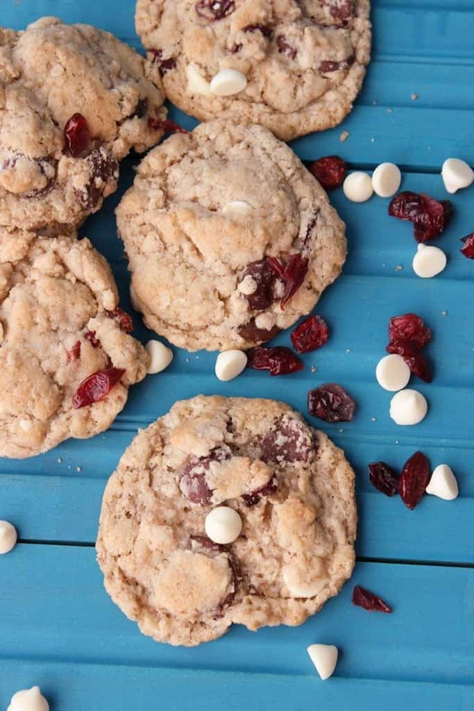 White Chocolate and Cranberry Oatmeal Cookies! For all your cookie exchange parties......