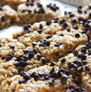 Easy No-Bake Chocolate Chip Granola Bars