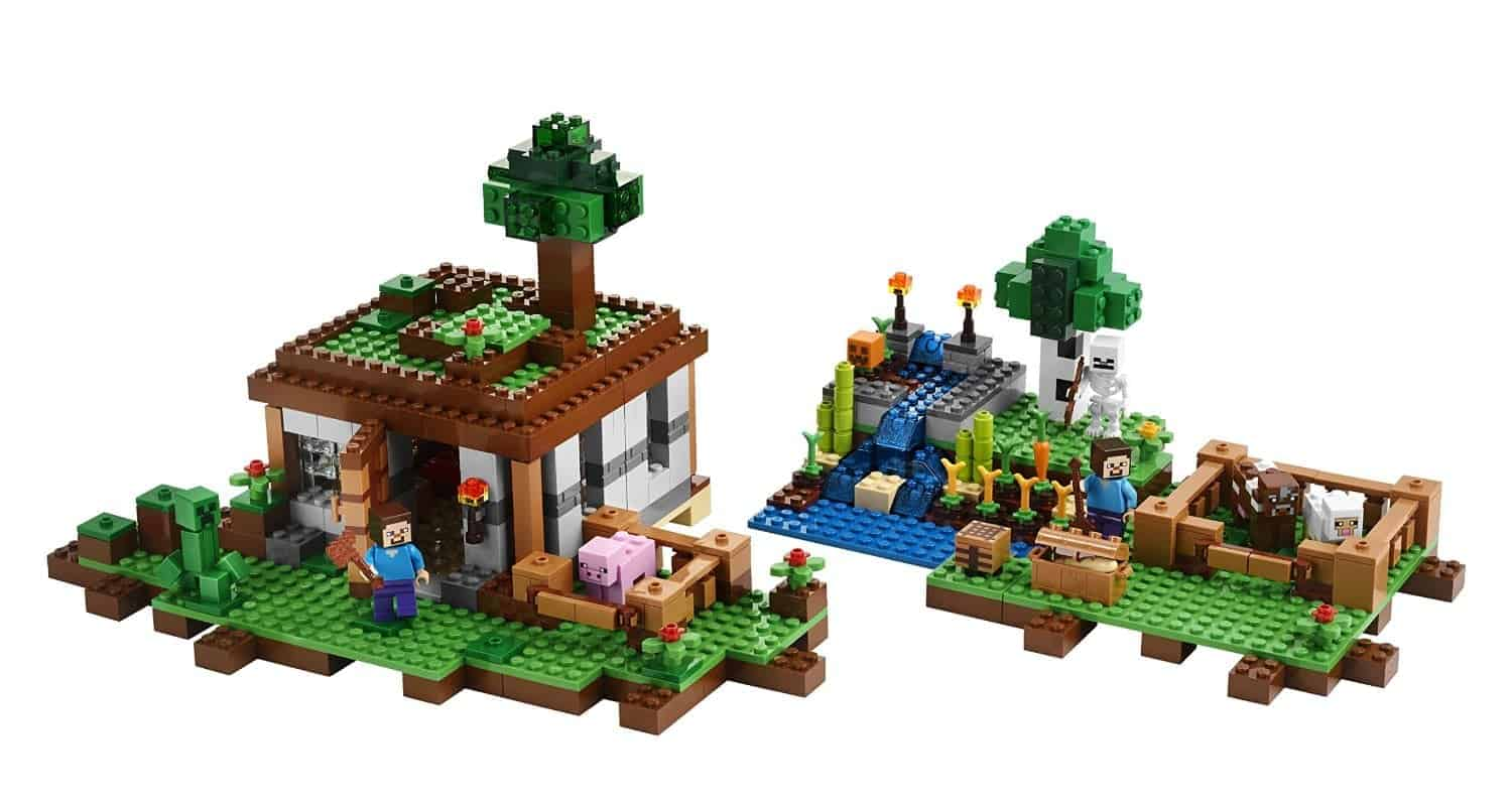 Lego Gift Ideas by Age - Toddler to Twelve Years: Minecraft Crafting Box | www.thepinningmama.com