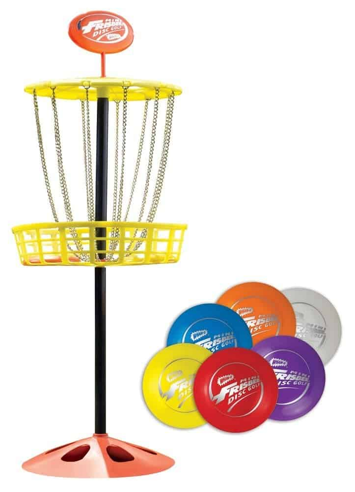 10+ Outdoor Boredom Busting Activities for Kids: Mini Frisbee Golf | www.thepinningmama.com