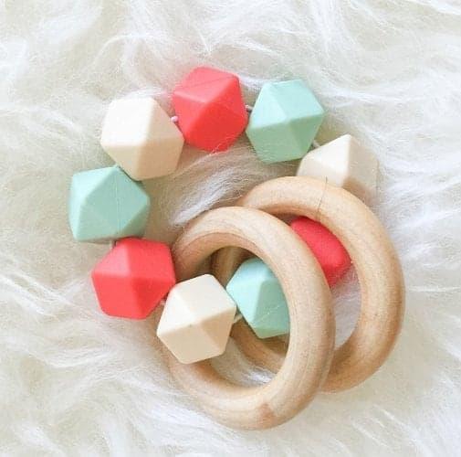 10 Beautiful Handmade Baby Gifts
