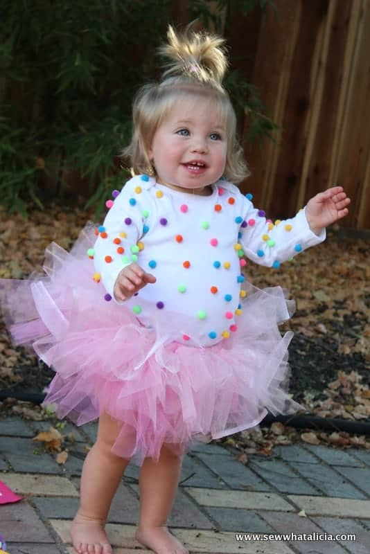 10+ Adorable Tutu Halloween Costumes: Cupcake | www.thepinningmama.com