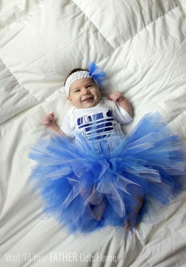 10+ Adorable Tutu Halloween Costumes: R2 Tutu | www.thepinningmama.com