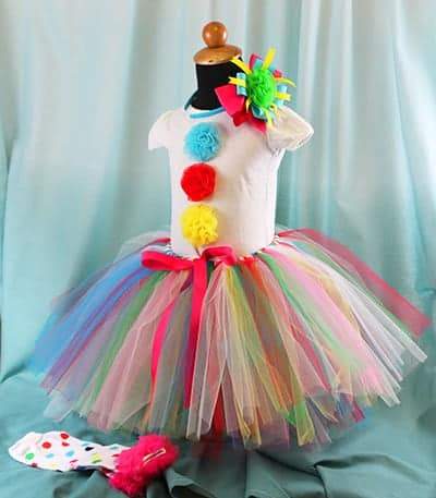 10+ Adorable Tutu Halloween Costumes: Clown | www.thepinningmama.com