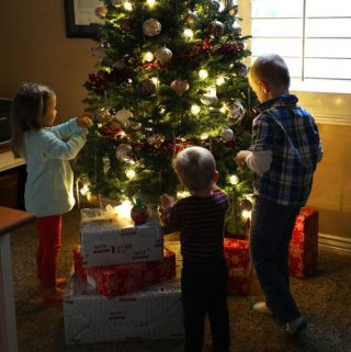 The Ultimate Guide to Decorating your Christmas Tree