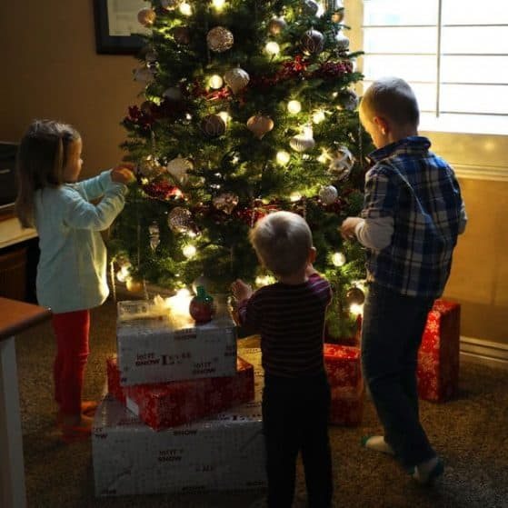 Extreme Christmas Trees: 10 FREE Christmas Silhouette Cut Files! • The Pinning Mama