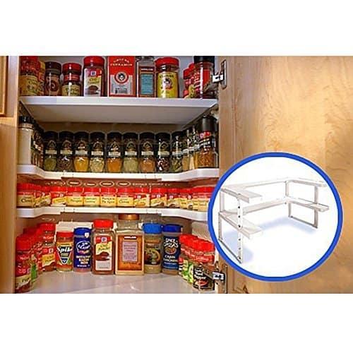 10+ Best Ways to Organize Spices   www.thepinningmama.com
