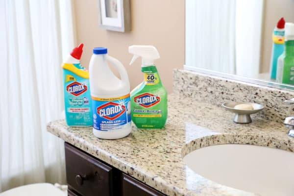 10 things you should be cleaning with bleach in the bathroom!