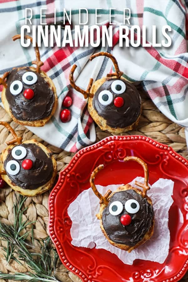 Cinnamon Roll Reindeer- Cute Christmas Breakfast idea for kids