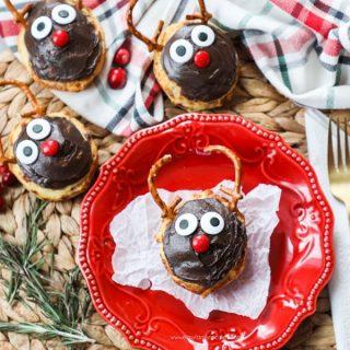 Reindeer Cinnamon Rolls - Yummy Holiday Breakfast